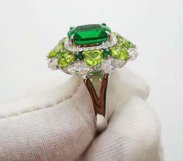 Emerald ring 865$
