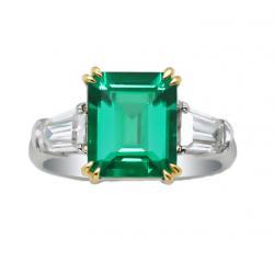 Emerald Ring 950$