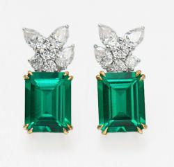 Emerald Earring 660$