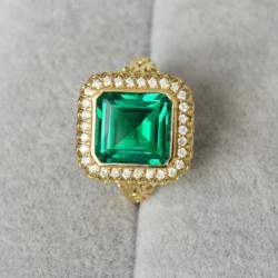 Emerald Ring 670$